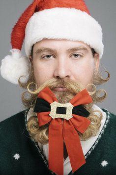 The best beards with christmas spirits.  季節のグルーミング、あごひげがツリーになるひげクリスマス  http://gqjapan.jp/culture/viral/20141219/christmas-beards?gallery_id=5#g_top