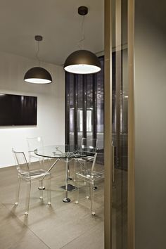 Skygarden 2 suspension luminaire providing diffused lighting, find more details on the official Flos Website. Kitchen Pendant Lighting, Kitchen Pendants, Modern Pendant Light, Glass Pendant Light, Chandelier Pendant Lights, Ceiling Decor, Ceiling Design, Lamp Design, Ceiling Lights
