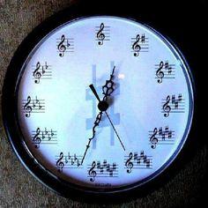 Staff clock