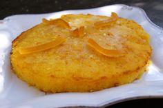 Un délicieux dessert très fruité au bon goût de jus d'orange, qui fond directement dans la bouche! Une tuerie!!! Tout le monde à adoré Ingrédients p our 4 personnes (moule à manquer de 20 cm de diamètre): 125 g de farine 100 g de sucre 100 g de beurre...