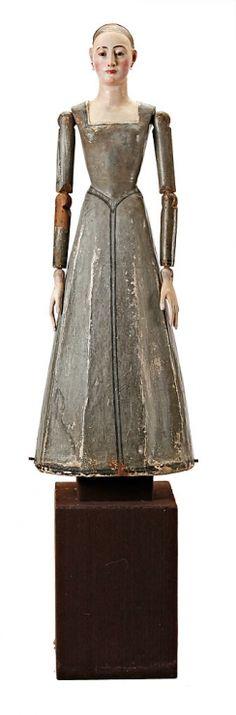 Virgen, imagen de vestir en madera tallada, tela encolada y policromada