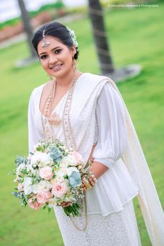Our Gorgeous Bride👰 Amenda! Exclusively designed and created by Julia Siriwardena Asian Bridesmaid Dresses, Bridesmaid Saree, Bridal Dresses, Bridal Dress Design, Bridal Style, Wedding Sari, Wedding Gowns, Christian Bridal Saree, Srilankan Wedding