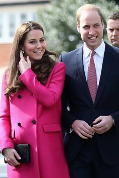 Acompanhada do príncipe William, Kate Middleton participam de carimônia em estúdio musical em Londres