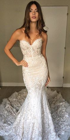 Designer Wedding Dresses & Elegant Wedding Gowns Engagement and Hochzeitskl. Engagement and Hochzeitskleid - wedding and engagement 2019 Dresses Elegant, Elegant Wedding Gowns, Dream Wedding Dresses, Designer Wedding Dresses, Bridal Dresses, Trendy Wedding, Gown Designer, Long Dresses, Most Beautiful Wedding Dresses