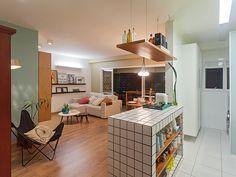 Residência Maynard | Isabela Bethônico Arquitetura. Sala / Cozinha / Integração / Multifunção.
