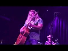 """Jamey Johnson performs """"Give It Away"""" an absolutely mind-blowing performance, live at the House of Blues, Boston, MA, April This song was written by. Best Country Music, Country Music Stars, Country Singers, Kinds Of Music, Music Is Life, Live Music, Outlaw Country, Country Boys, Best Song Ever"""