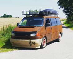 """Mi piace"": 34, commenti: 1 - Andy Rost (@rat_n_old) su Instagram: ""#ratnold #rat #vanlife #homeiswhereyouparkit #rust #t4"""