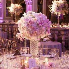 I don't like the centerpieces in the back but I love this one. :)