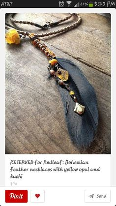 Beautiful feather necklaceee