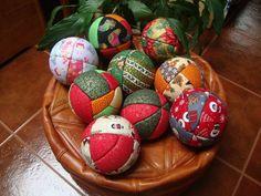 Bolas de esferovite forrados a tecido. www.livingplace.pt geral@livingplace.pt