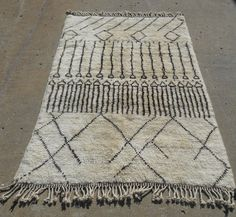 Genuine Moroccan rug. Berber weave of the Atlas Mts, Size 4.02x6.04 $750 Atlas Weavers