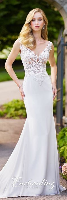 #destinationweddingdress #beachweddingdress #informalweddingdress #lacebodiceweddingdress #illusionbodiceweddingdress #laceandchiffonweddingdress #illusionbackweddingdress