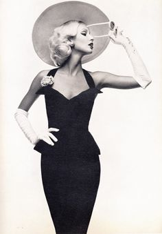 Italian Vogue 1972 by Toscani.
