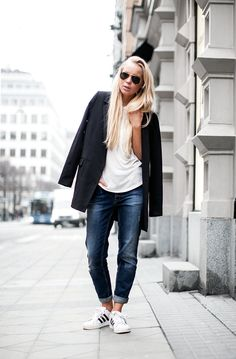 Fashion Inspiration | Worn Jeans, Tees & Black Jackets