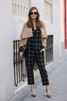 Stylish 44 Creative Winter Outfits Ideas With Jumpsuit To Try Asap Cute Winter Outfits, Summer Outfits, Cute Outfits, Winter Clothes, Skirt Outfits, Sunnies, Look Zara, Vogue, Winter Stil