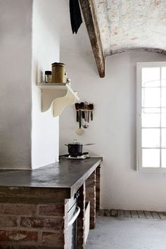 FARMHOUSE – INTERIOR – vintage early american farmhouse showcases raised panel walls, barn wood floor, exposed beamed ceiling, and a simple style for moulding and trim, like in this farmhouse kitchen. Farmhouse Interior, Interior Exterior, Kitchen Interior, Interior Design, Interior Modern, Rustic Kitchen, Kitchen Decor, Country Kitchen, Layout Design