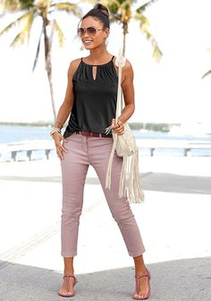 Ready for a vacation? Shop Mauve Skinny Leg Capri Pants from LASCANA clothing and get ready for fun. Casual Summer Outfits For Women, Summer Work Outfits, Business Casual Outfits, Mom Outfits, Spring Outfits, Cute Outfits, Fashion Outfits, Casual Women's Fashion, Casual Dinner Outfit Summer