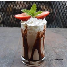 Twisted Dessert Cocktail - For more delicious recipes and drinks, visit us here: www.tipsybartender.com
