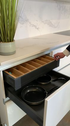 Design a high end look kitchen with hidden drawers. : Keep your kitchen streamlined with hidden drawers to create a high end look in your kitchen design. Kitchen Pantry Design, Diy Kitchen Storage, Modern Kitchen Cabinets, Modern Kitchen Design, Home Decor Kitchen, Interior Design Kitchen, Kitchen Furniture, Kitchen Storage Drawers, Kitchen Cabinets Without Handles