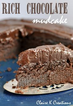 The best ever chocolate mud cake - via Claire K Creations www.clairekcreations.com #cake #chocolate #mudcake