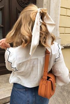 How To Wear A Scarf In Autumn/Winter With Your Hair – Scrunchies Inspo – – summer hair styles Scarf Hairstyles, Cool Hairstyles, Winter Hairstyles, Braided Hairstyles, Wedding Hairstyles, Homecoming Hairstyles, Latest Hairstyles, Mode Ootd, Aesthetic Hair