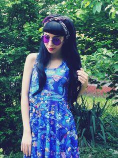 Perfect Little Summer Look: Color Tinted Shades - Vintage Celebrity Sunglasses Eyewear Eyeglasses Glasses Mens Women's