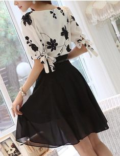 merk blouse on sale at reasonable prices, buy 2015 Zomer Dames Vestidos Retro Bloemenprint Chiffon Shirt chiffon bloemen blouse Vrouwen korte Mouwen Casual Brand Tops from mobile site on Aliexpress Now! Chiffon Floral, Print Chiffon, Chiffon Shirt, Floral Blouse, Chiffon Tops, Vestidos Retro, Chiffon Material, Elegant Flowers, Fashion Fabric