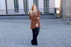 http://brinisfashionbook.com/wp-content/uploads/2016/03/Flared-Jeans-Schlaghose-kombinieren-Zara-Off-Shoulder-Pullover-Modeblog-Trend-Fr%C3%BChling-4.jpg
