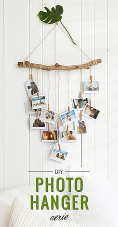 room diy photos Capture the castaway vibes at home with our DIY photo hanger! All you need is driftwood, twine and favorite photos to make your own beachy display. Photo Wall Hanging, Hanging Photos, Decor Crafts, Home Crafts, Diy Home Decor, Diy Crafts, Diy Foto, Diy Tumblr, Tumblr Rooms