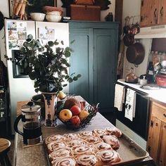 Home Decoration Ideas Bookshelves .Home Decoration Ideas Bookshelves Kitchen Dining, Kitchen Decor, Cozy Kitchen, Country Kitchen, Kitchen Ideas, German Kitchen, Life Kitchen, Scandinavian Kitchen, Island Kitchen