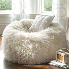 Ive been desperate for a beanbag for a very long time now and after seeing this fluffy one on PBTeen, Im dead set on it. Sadly, theres no such thing as PBTeen in Singapore, but thats what online shopping is for :) - Amazing House Design My New Room, My Room, Dorm Room, White Fluffy Chair, Dream Bedroom, Girls Bedroom, Small Teen Bedrooms, Bedroom Ideas For Small Rooms For Teens For Girls, Bedroom Decor