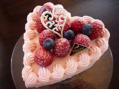 ピンクハートの苺ケーキ @ Le surce cake salon (Japan) ♥