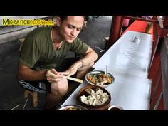 Chinese Rice Noodles: Guilin Noodles in Yangshuo, China 桂林米粉 - YouTube