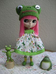 Froggy crocheted hat