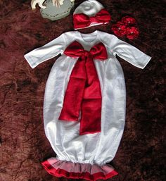 15 Beautiful & Cute Christmas Dresses & Outfits 2012 For Newborn Baby Girls, Toddlers & Kids | Girlshue