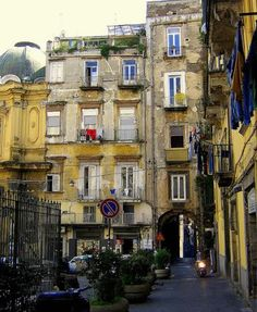Naples: Cheap Hotels Recommendations (Historic Center)