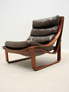 Fred Lowen; #T4 Leather Lounge Chair for Tessa, 1970s.