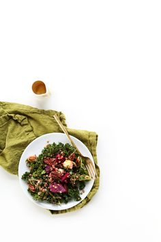 WINTER Abundance Salad with Kale, Lentils, Leeks and Beets! So healthy and delicious #vegan #glutenfree
