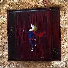 Street Art Superman  humour à Valbonne