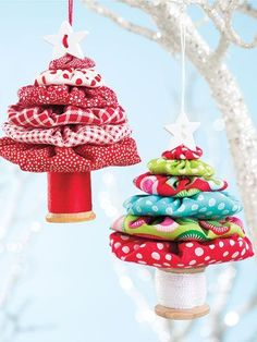 Yo-Yo Tree Ornament Pattern Turn your Christmas fabric scraps into gorgeous ornaments. Hang them on a tree or give them as gifts! Finished size is [. Quilted Christmas Ornaments, Easy Diy Christmas Gifts, Fabric Ornaments, Christmas Sewing, Noel Christmas, Homemade Christmas, Christmas Projects, Holiday Crafts, Christmas Decorations