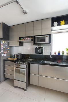 Decoração com pontos de cor. Apartamento T4 - arquiteto Daniel Almeida;
