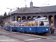 Kennst du diese 7 Züri-Trams noch? Old Steam Train, S Bahn, Bonde, Light Rail, Holiday Pictures, Park City, Public Transport, Locomotive, Switzerland