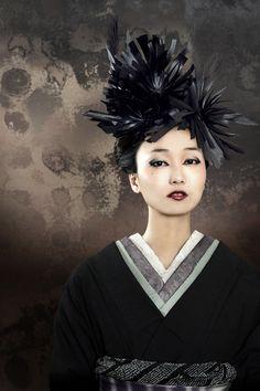 Japanese KIMONO  [Hana-Zoku BLACK 花族 -黒- ] Direction QURO Photographer Yoco Matsuno Make Mayo Hayashi Hair Tomomi Fukuda