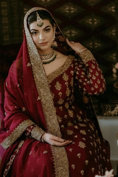 Bridal Mehndi Dresses, Asian Wedding Dress, Pakistani Wedding Outfits, Indian Bridal Outfits, Wedding Dresses For Girls, Pakistani Wedding Dresses, Pakistani Dress Design, Designer Bridal Lehenga, Bridal Lehenga Choli