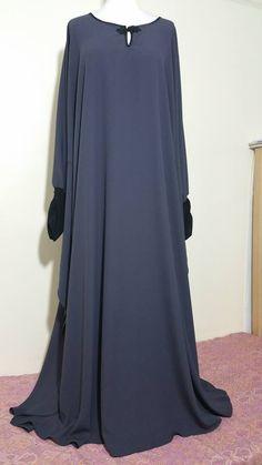 Ume Fatima Abayas - Facebook Islamic Fashion, Muslim Fashion, African Fashion Dresses, African Dress, Modern Abaya, Hijab Style Dress, Black Abaya, Niqab Fashion, Abaya Designs