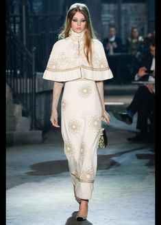 Chanel Métiers d'art 2015-16 #ChanelMetiersdArt #ParisinRome Visit espritdegabrielle.com   L'héritage de Coco Chanel #espritdegabrielle