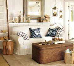 wohnzimmer landhausstil offene regale nautische thematik