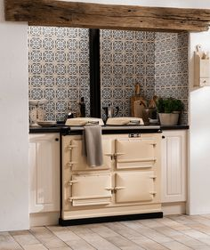 Kitchen wall tiles are perfect to add character to your cooking space. Whether it's a feature splashback or a simple border, there is something for everyone in our collection of kitchen wall tiles. Country Kitchen Tiles, Aga Kitchen, Country Kitchen Designs, Kitchen Wall Tiles, Shaker Kitchen, Kitchen Flooring, Kitchen And Bath, Country Kitchens, Kitchen Layout