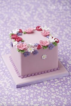 The Cake Parlour designs and creates beautiful celebration cakes for birthdays, christenings and other special occasions.