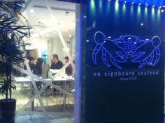 a Good Crab Restaurant: No Signboard Seafood @ Food Street, Causeway Bay, Hong Kong. humble beginning from Singapore